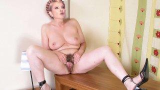 Юлия Тимошенко - 1Sr6MWyhP6LZF8eTWUfWC1511068927.jpg